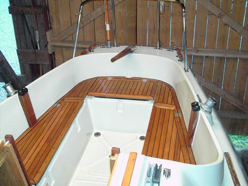 Teakskiva båt
